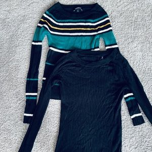 Pair of ribbed light knit sweaters S